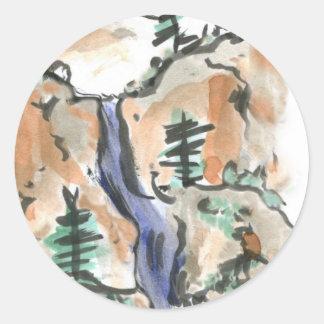 Caminar el rastro de montaña pegatina redonda