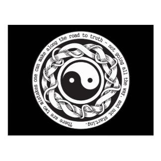 Camino a la verdad Yin Yang Tarjeta Postal