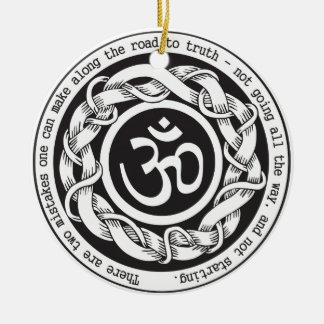 Camino al símbolo de Devanagari OM de la verdad Adorno Navideño Redondo De Cerámica
