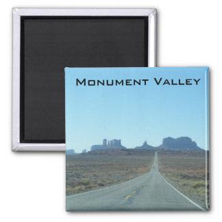 Camino al valle del monumento imán cuadrado