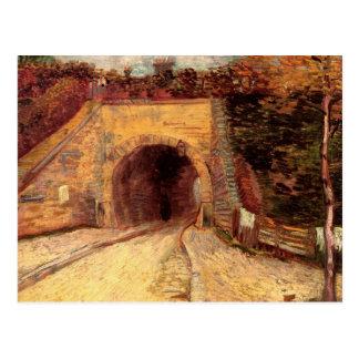 Camino con el paso inferior el viaducto de Van Postales