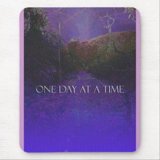 Camino de la montaña púrpura de ODAT Mousepads