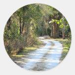 Camino de tierra en Micanopy, la Florida Etiquetas Redondas