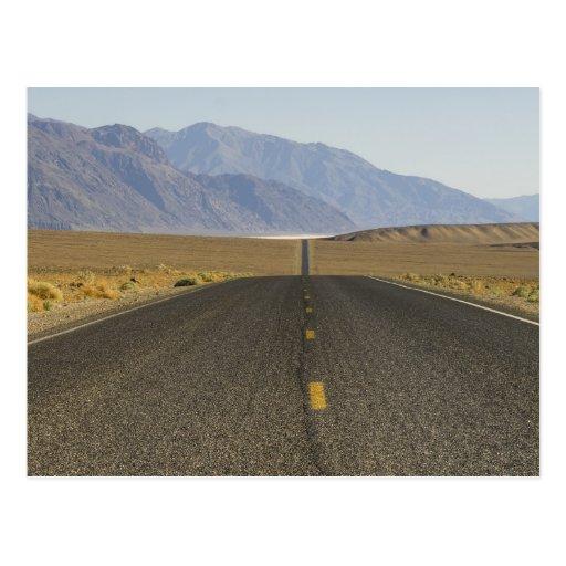 Camino Death Valley Tarjeta Postal