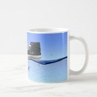 Camino en el agua tazas de café