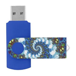 Camino en el fractal espiral de las nubes memoria USB 2.0 giratoria