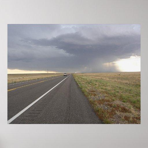 Camino en la tormenta póster