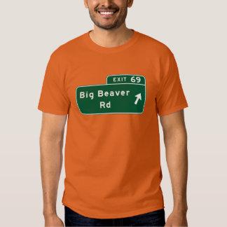 Camino grande del castor, señal de tráfico, camisas