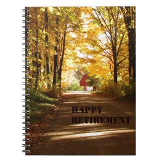 Camino rojo del otoño del granero del retiro feliz libro de apuntes con espiral