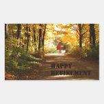 Camino rojo del otoño del granero del retiro feliz pegatina rectangular
