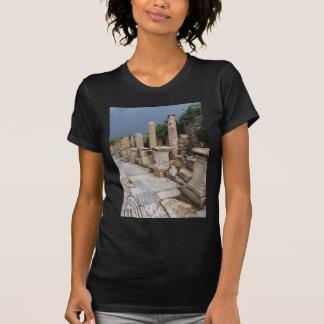 Camino romano antiguo en la ciudad de Ephesus, Playera