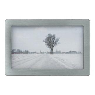Camino rural del invierno hebillas cinturón rectangulares