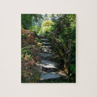 Camino sombrío y escaleras de la losa del jardín rompecabeza con fotos