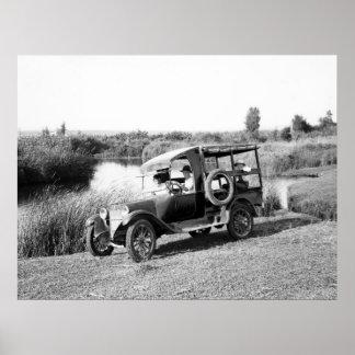 Camión americano de la colonia, 1900s tempranos posters