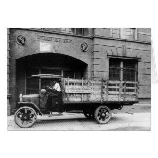 Camión antiguo de la cerveza, los años 20 tarjeta