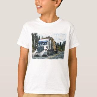Camión blanco con las balas de heno para los playera