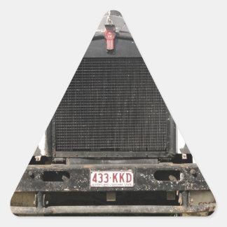Camión clásico de Kenworth Pegatina Triangular