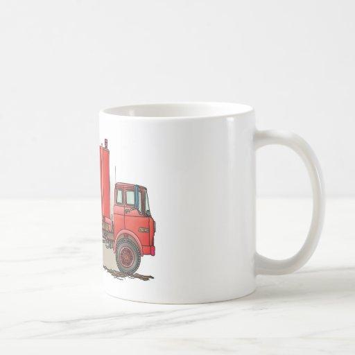 Camión de basura rojo taza básica blanca