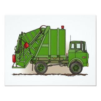"""Camión de basura verde invitación 4.25"""" x 5.5"""""""