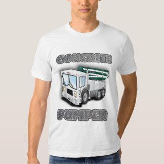 Camión de bombeo concreto playera