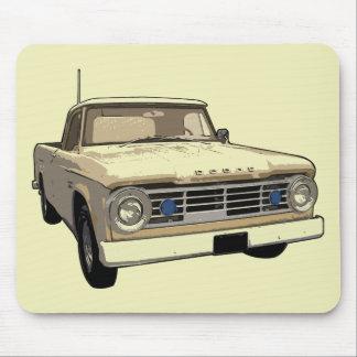 Camión de Dodge del vintage Tapetes De Ratón