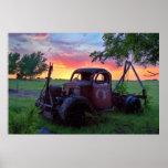 Camión de la puesta del sol posters
