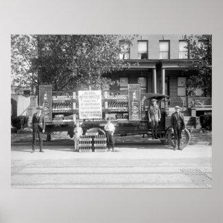 Camión de reparto de la gaseosa, los años 20 tempr posters