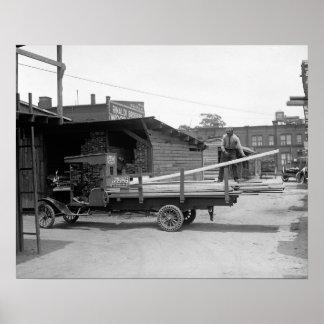 Camión de reparto de la madera de construcción, póster