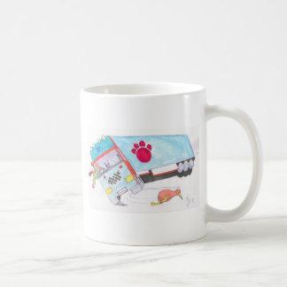 Camión del camión del dibujo animado con el pájaro taza de café