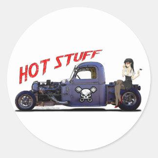 Camión del coche de carreras con un chica pegatinas redondas