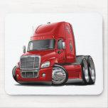 Camión del rojo de Freightliner Cascadia Tapete De Ratones