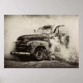 Camión del vintage de la quemadura posters