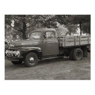 Camión del vintage postal