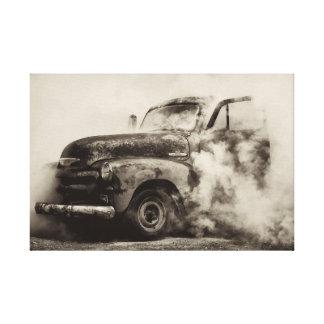 Camión del vintage y humo de la quemadura impresion de lienzo