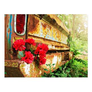 Camión floral y de la granja rústico postal