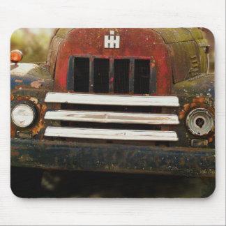 Camión internacional antiguo de la máquina segador alfombrilla de raton