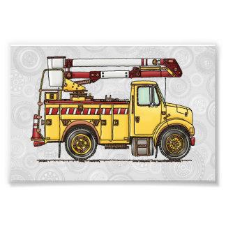 Camión lindo del recogedor de la cereza impresiones fotográficas