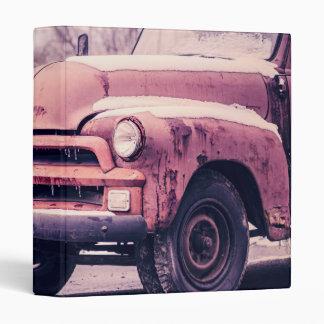 Camión oxidado viejo