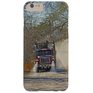 Camión pesado en una carretera nacional funda para iPhone 6 plus barely there