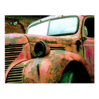 Camión rojo grande postal