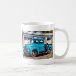Camión - un camión viejo internacional taza
