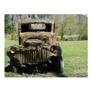 Camión viejo aherrumbrado del Junker Postal