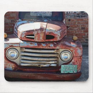 Camión viejo oxidado alfombrillas de ratón