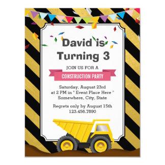 """Camión volquete bajo fiesta de cumpleaños de la invitación 4.25"""" x 5.5"""""""