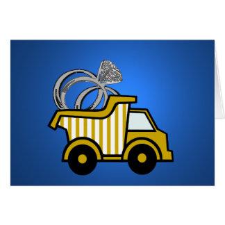 Camión volquete del amarillo del portador de anill tarjeta pequeña