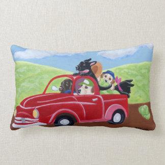 Camión y pintura rojos de Labradors Cojines