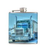 Camioneros grandes azules camión del aparejo y cam