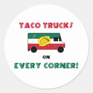 Camiones del Taco en cada esquina Pegatina Redonda