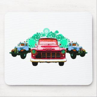 Camiones rojos coloridos del vintage tapete de ratones
