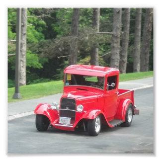 Camioneta pickup antigua clásica del rojo de v8 cojinete